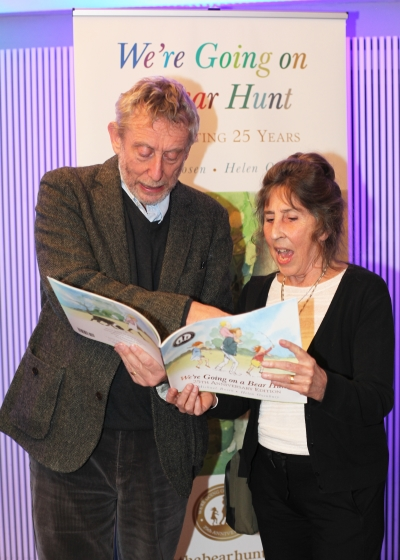 Michael Rosen and Helen Oxenbury read We're Going on a Bear Hunt together