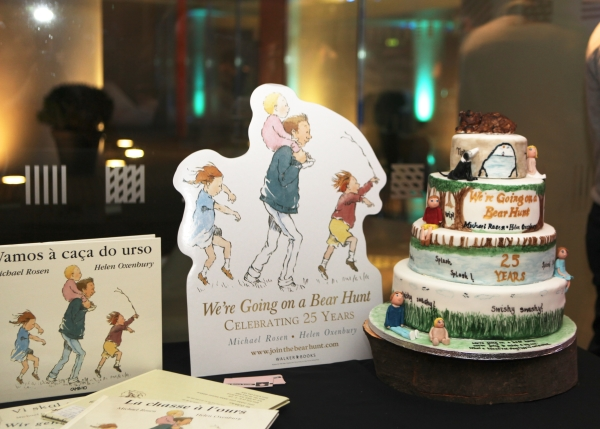 We're Going on a Bear Hunt standee, cake and books